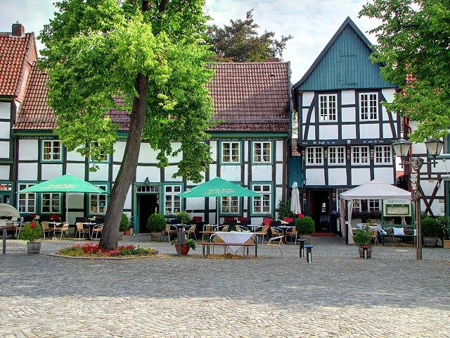 Kirchplatz 08