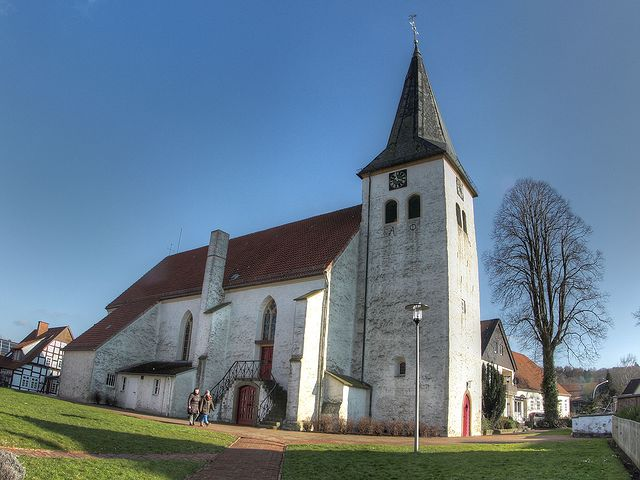 Fenster Bad Essen :  täufer kirche im bad essener ortsteil lintorf ist die pfarrkirche der